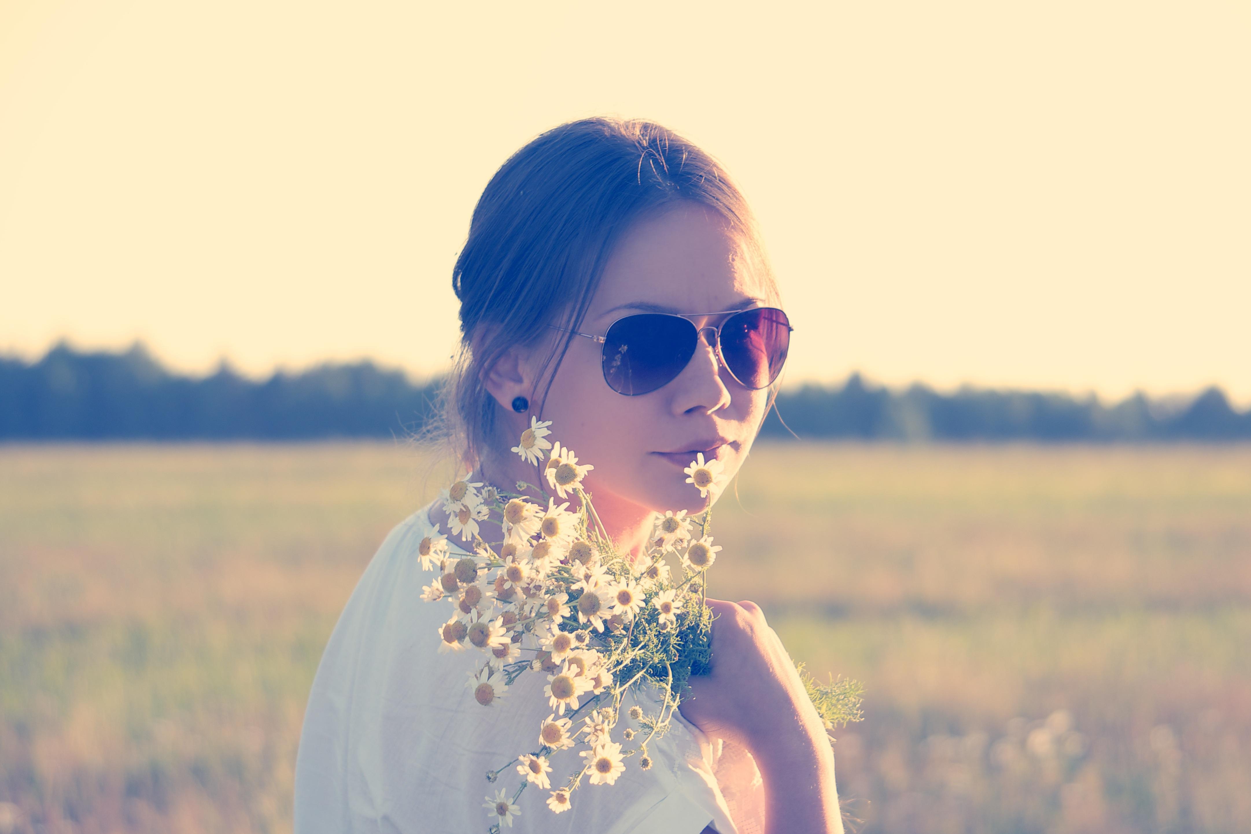 girl-flowers-1